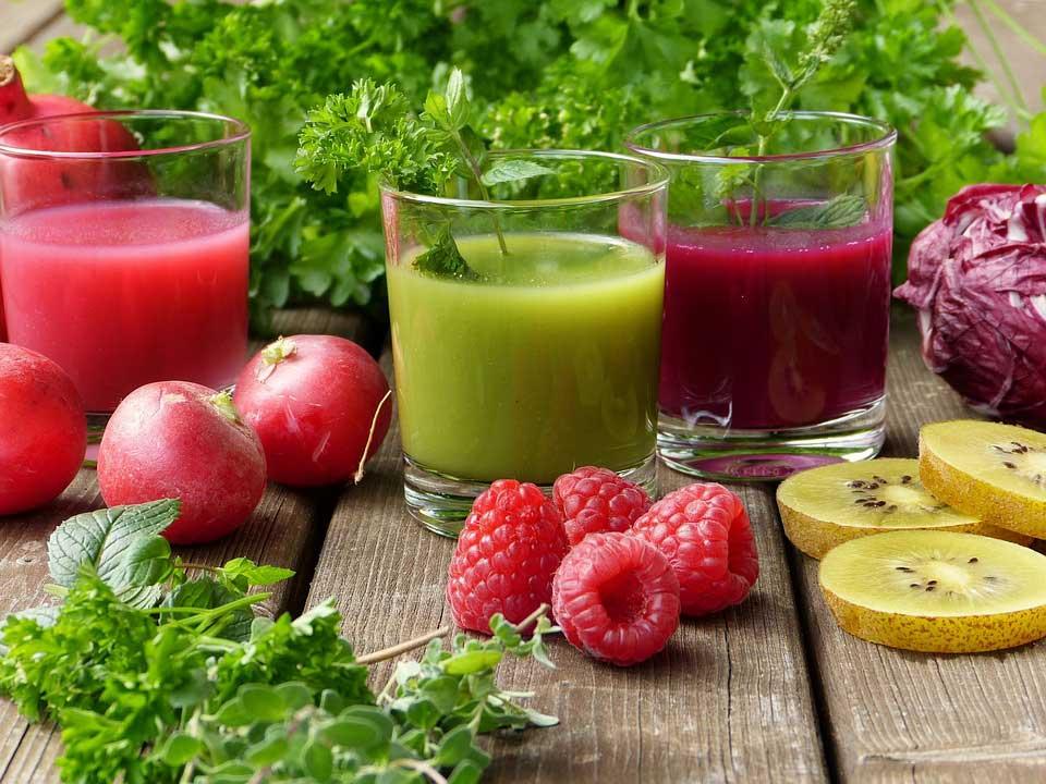 野菜や果物の飲み物